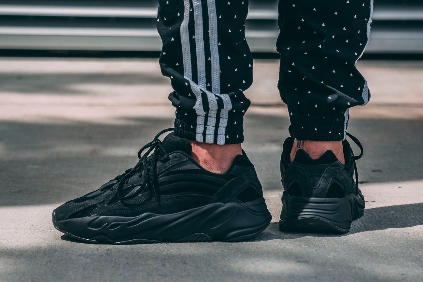 adidas yeezy boost 700 noir