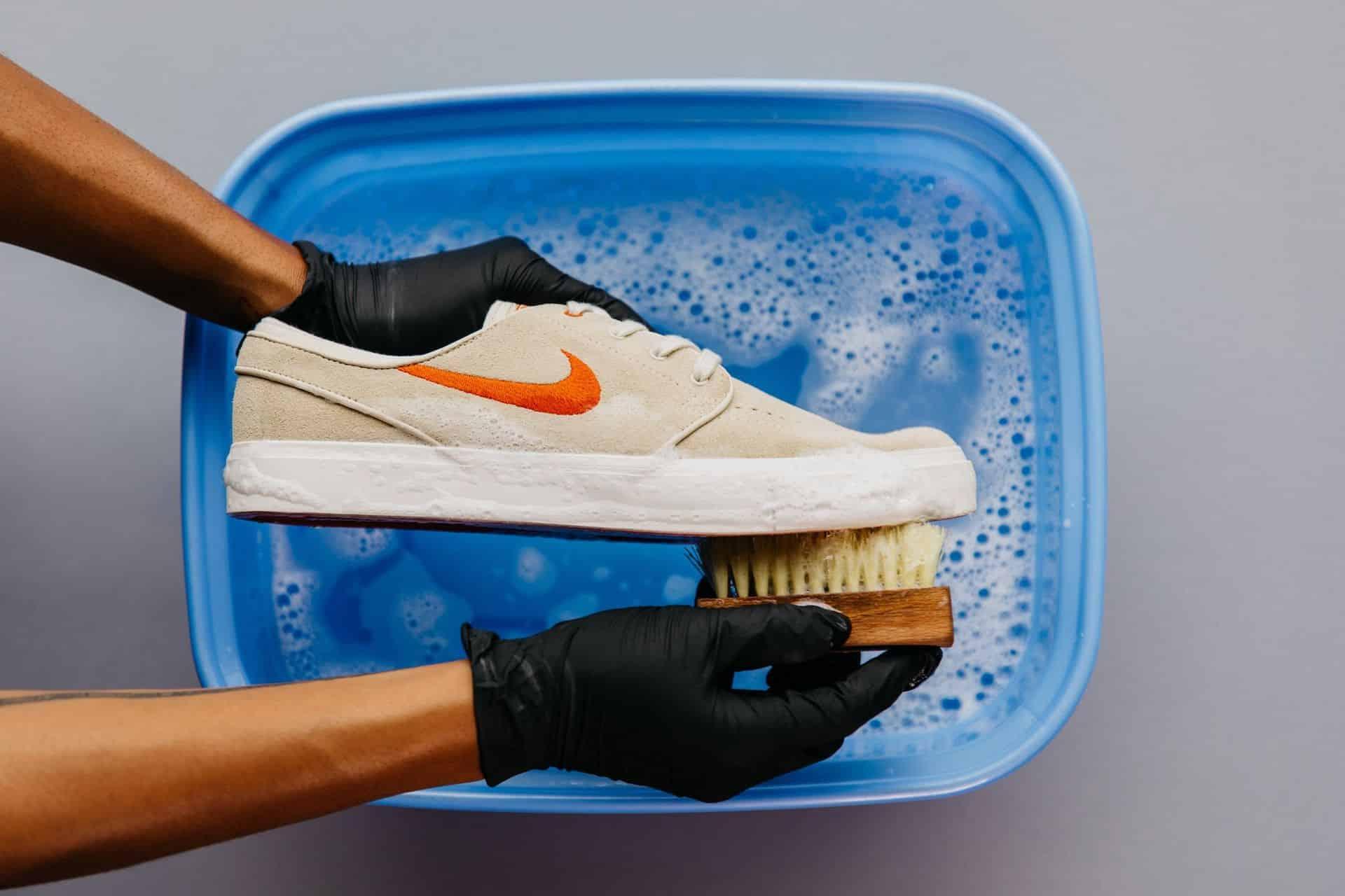 Nettoyer ses sneakers : comparatif des meilleurs produits du marché